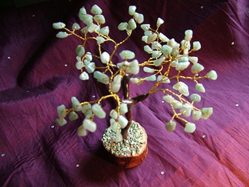 100 Green Leaves Agate Gem Tree