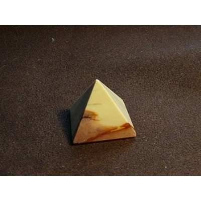 Mookaite Pyramid 25 x 25 mm